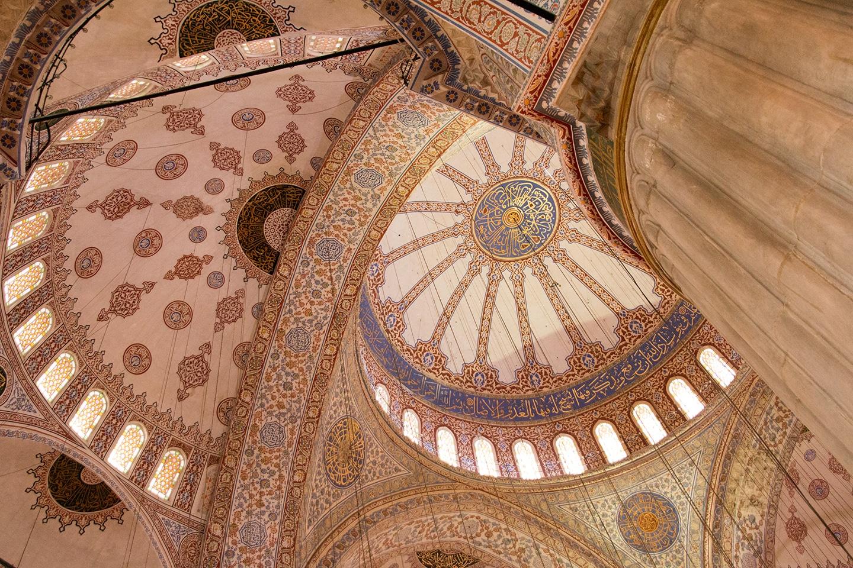Het plafond van de Blauwe Moskee