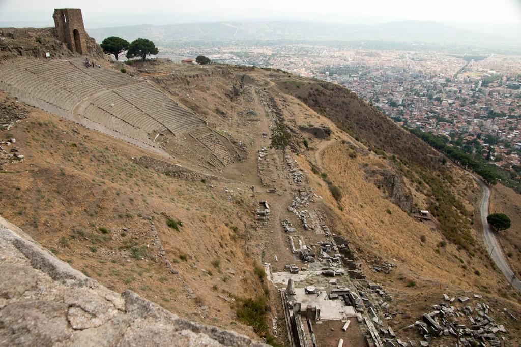 Het uitzicht bij het amfitheater in Pergamon