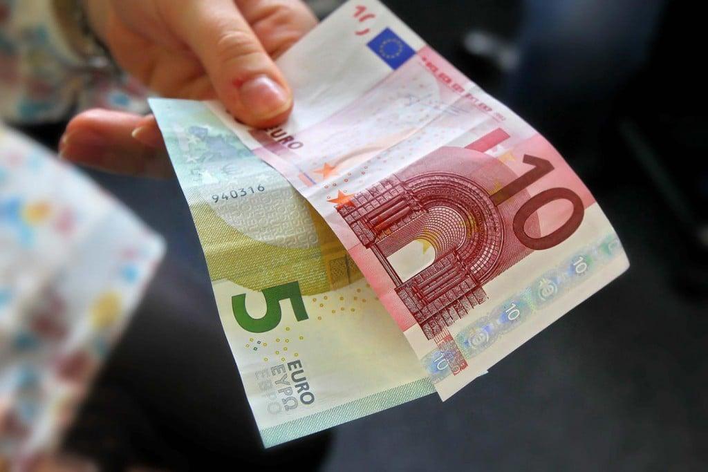 15 $ In EUR