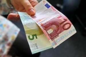 15 Euro in briefgeld