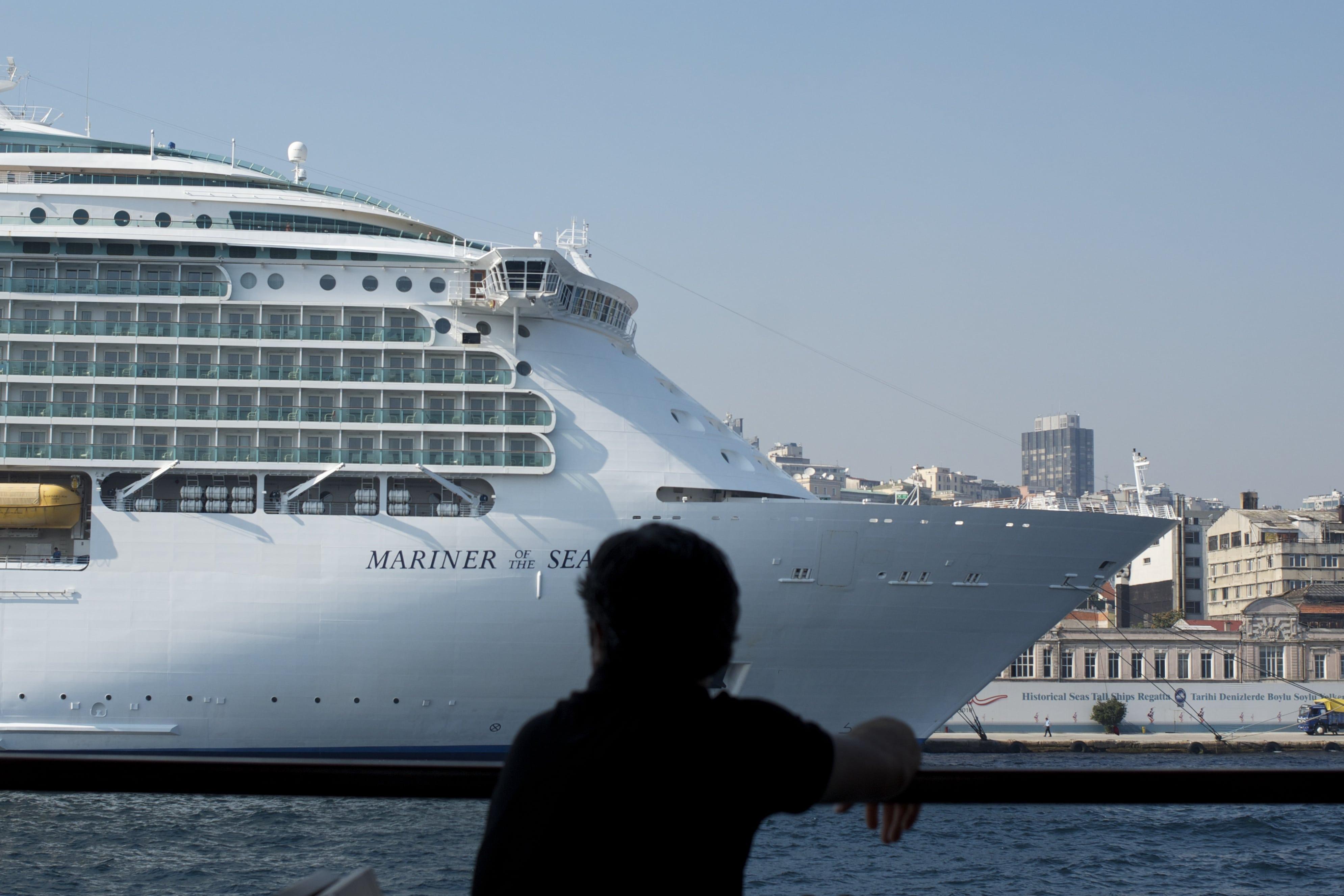 Een cruiseschip in Istanbul