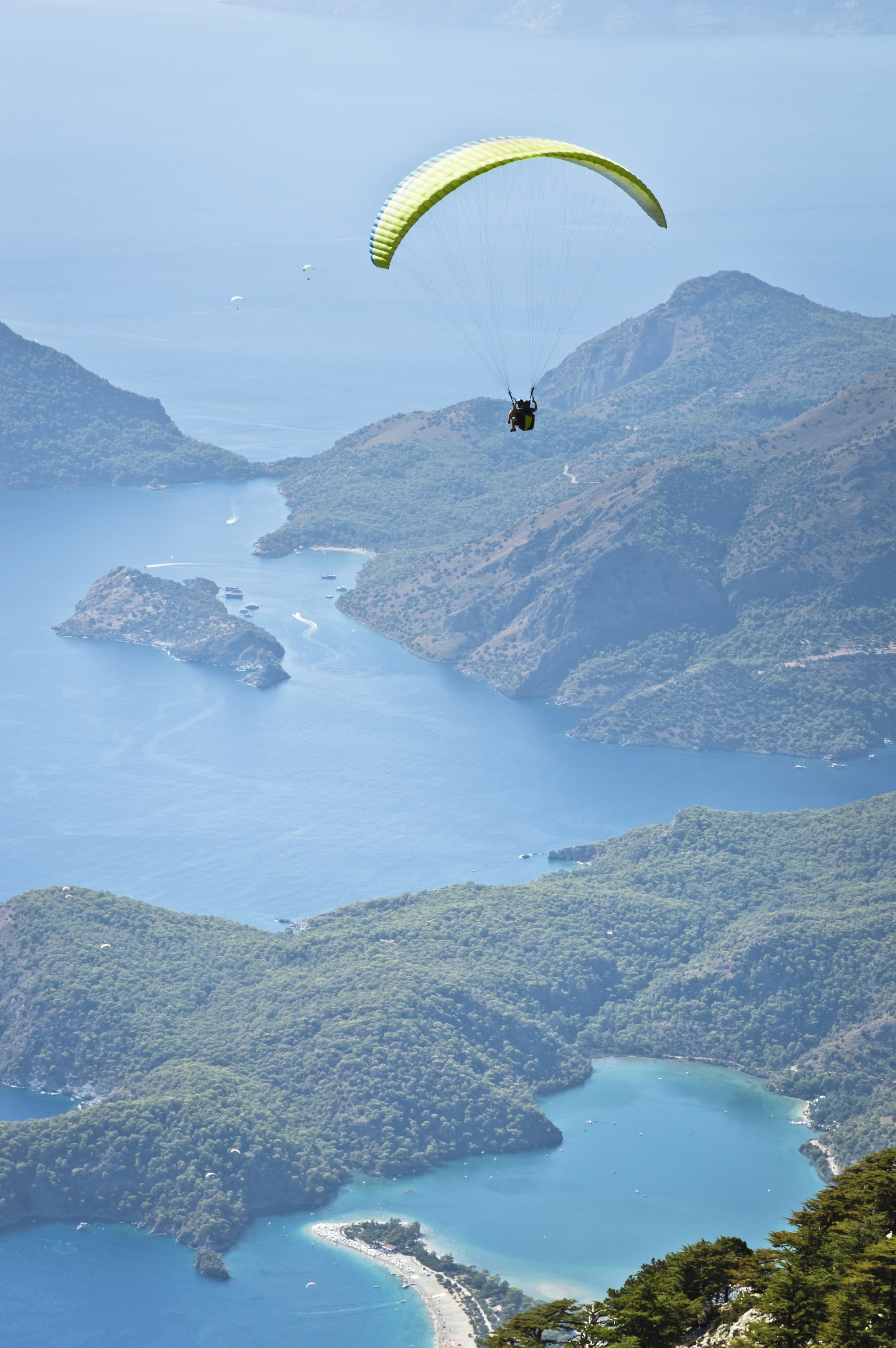 Paraglider boven Öludeniz
