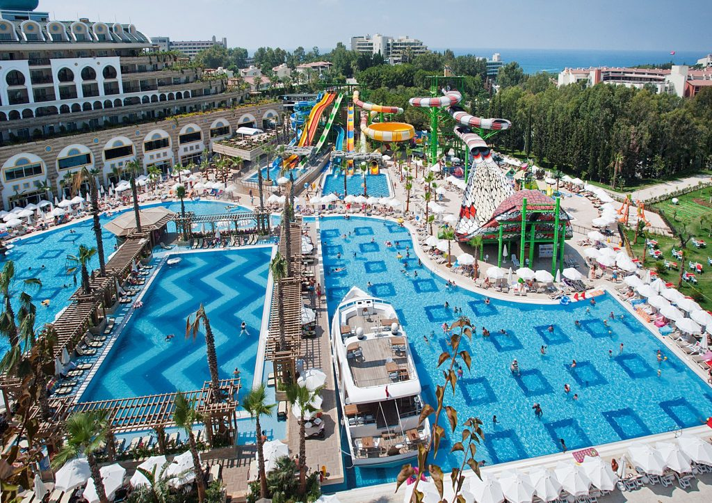 Waterpark van Crystal Sunset Resort in Kumkoy, Turkije